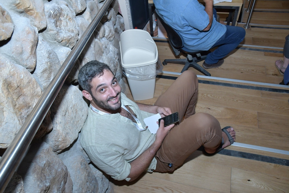 עילאי מדרגות מוקטן.JPG