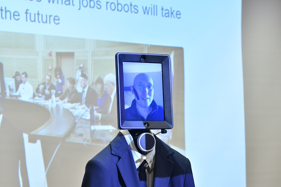צזנה הרובוט מוקטן 2.JPG