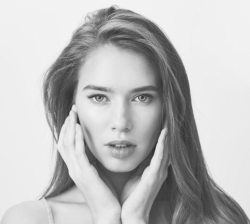 close-up-sensual-beautiful-woman-face_ed