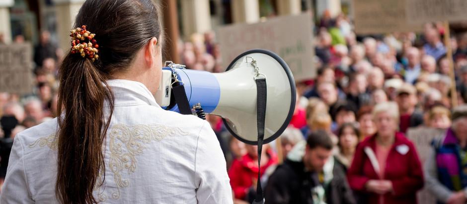 Politikere misbruger 'udvidet ytringsfrihed'