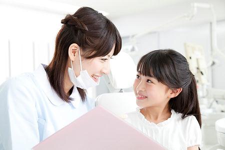 乳歯が生えたら歯医者さんへ