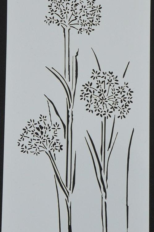 Plastic sjabloon nummer 18 met 3  bloemen. Afmeting 12 bij 23.