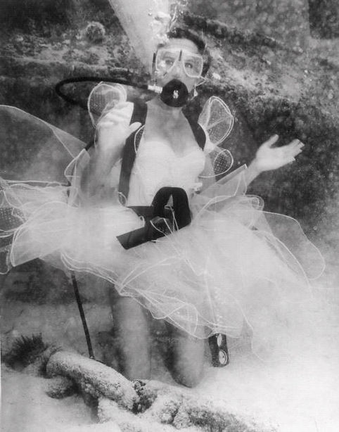 Underwater Wedding - Dean Michaels Studio