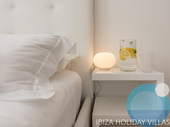 Lux - Cala Vadella - Ibiza