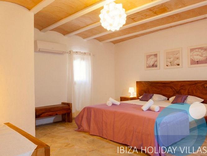 Coral - Cala Vadella - Ibiza
