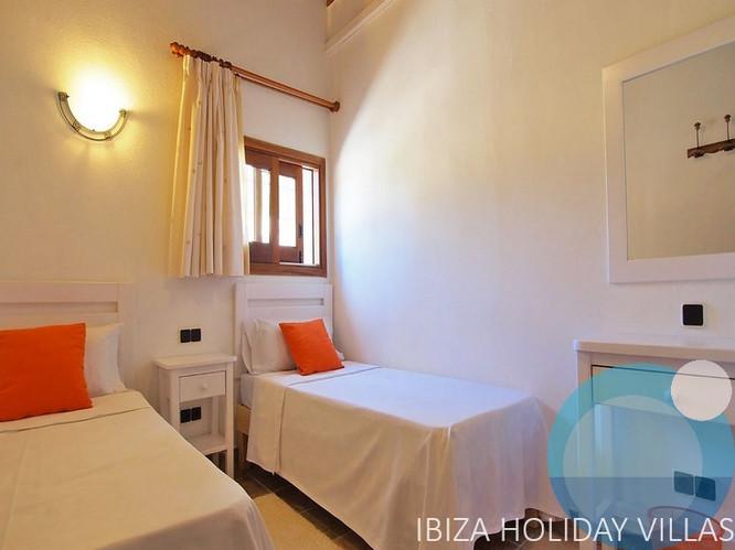 Vedra - Cala D'Hort - Ibiza