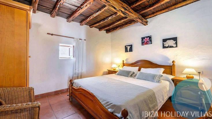 Es Pujol - Cala  D'Hort - Ibiza
