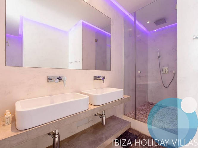 Glam - Cala Tarida - Ibiza