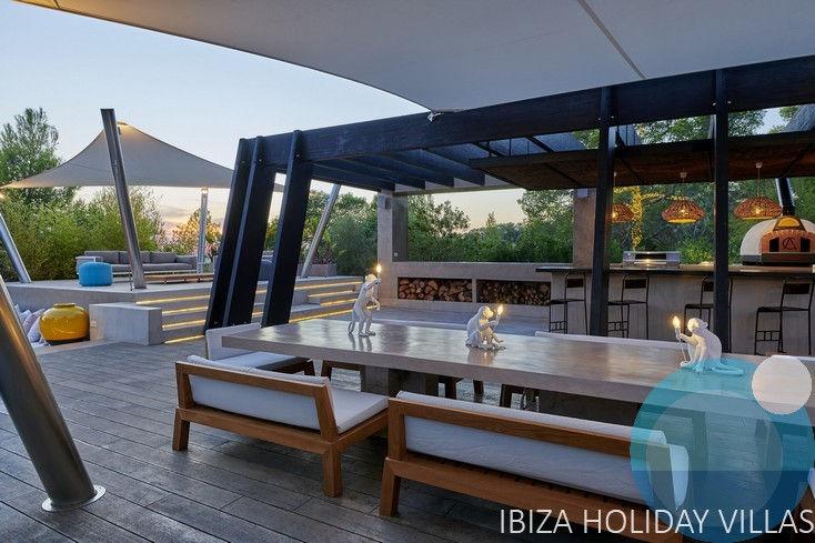Fontaine - Cala Tarida - Ibiza.jpg