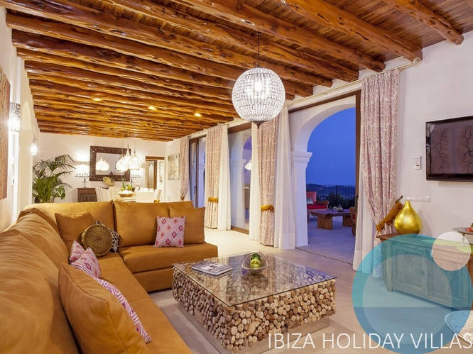Vich - Santa Eulalia - Ibiza
