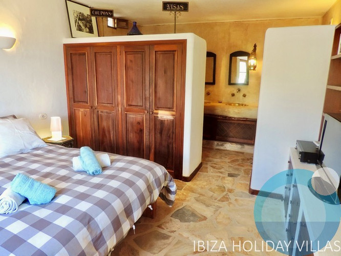 La Côte Sud - Salinas - Ibiza