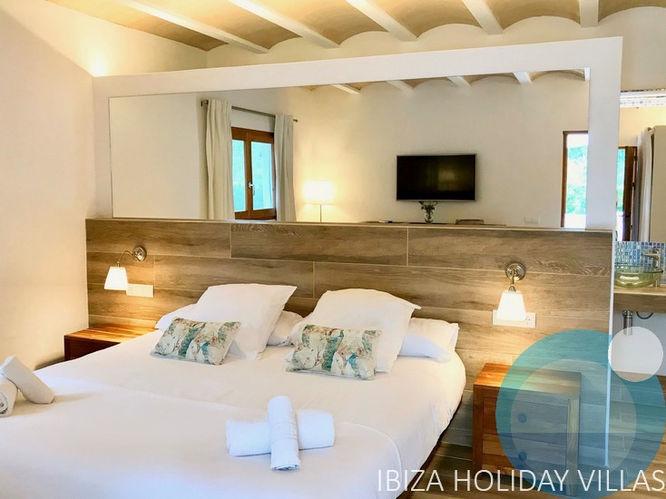 Clara - Cala Vadella - Ibiza