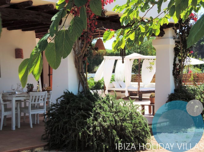 Torres Bonet - Santa Gertrudis - Ibiza