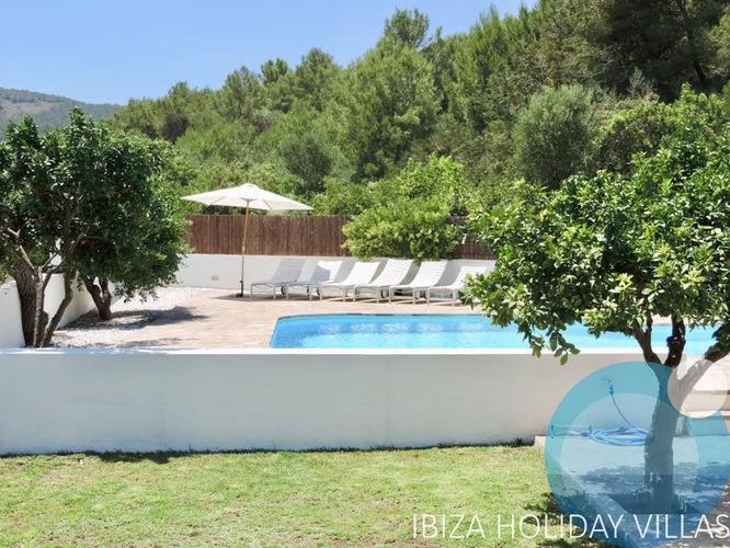 Perella - Santa Eulalia - Ibiza