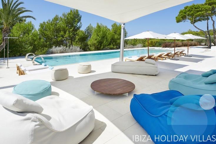 Fontaine - Cala Tarida - Ibiza