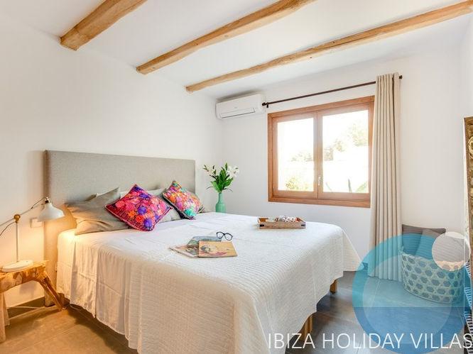 Aurora - San Jordi - Ibiza