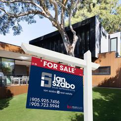 IanSzabo-Free Real Estate Signboard Mock