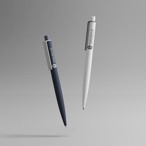 TaraBaylis-Pen.jpg