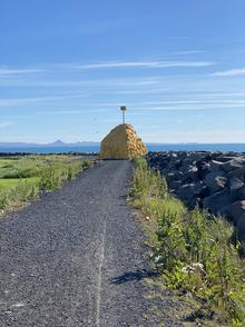Varða_í_suðurnesi.HEIC