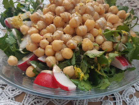 סלט חומוסים/Chickpea salad