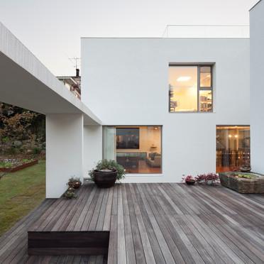 LATTICE HOUSE