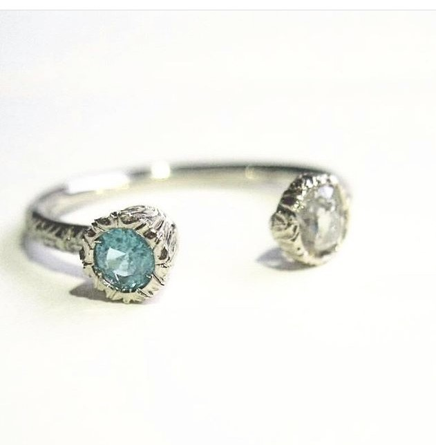 Giulia open ring white gold Paraiba Tourmaline