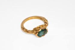 Ashram ring yellow gold emerald