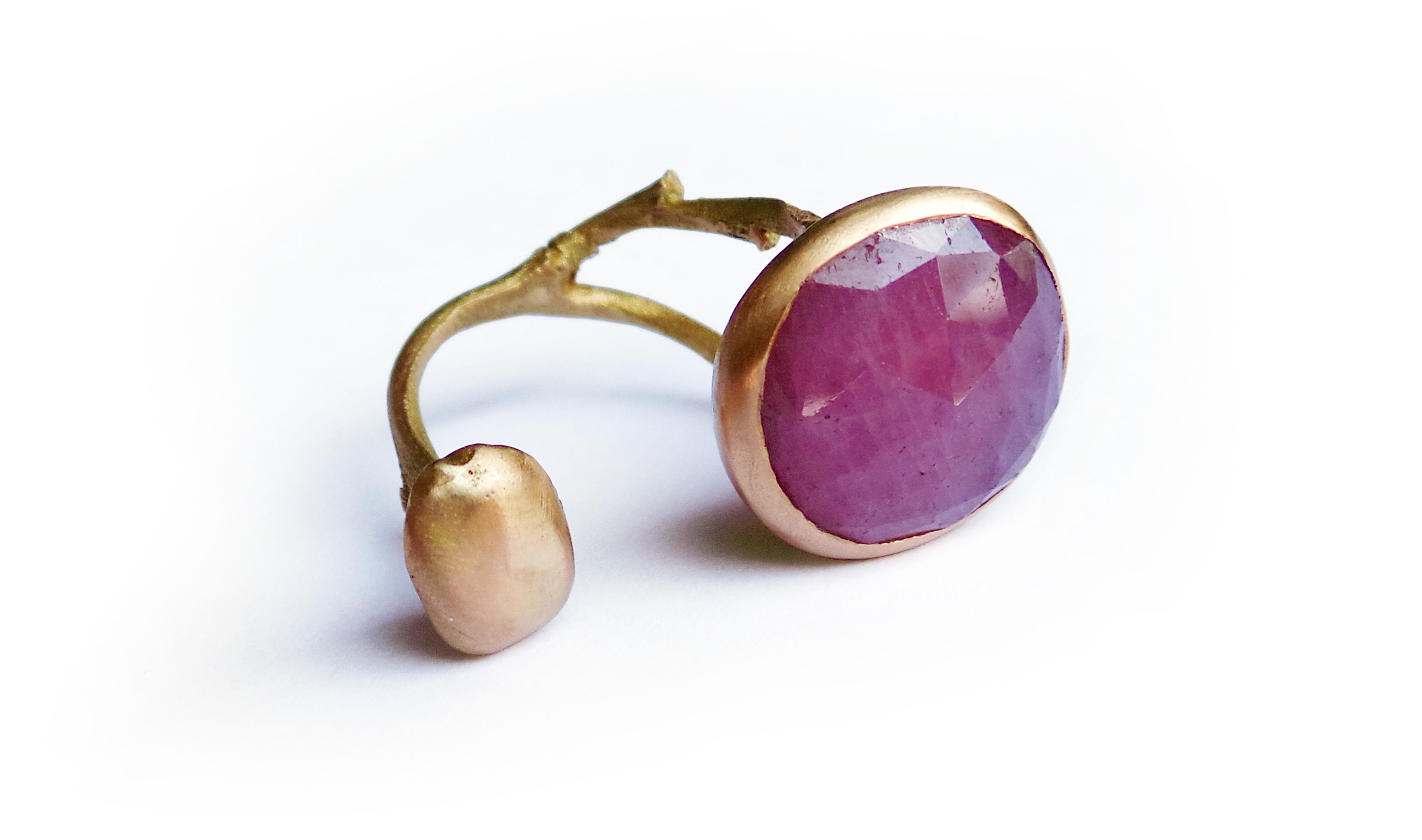 Carrob seed ring rose gold ruby root