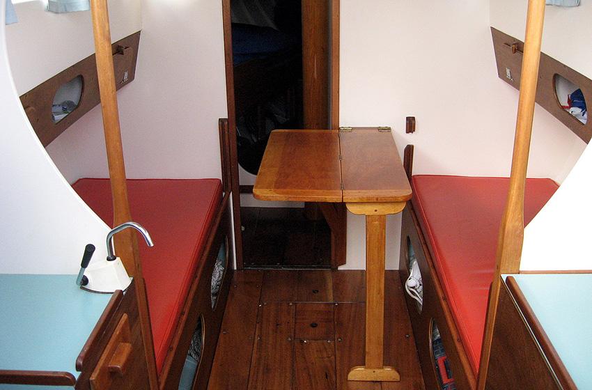 Santiano main cabin-fwd