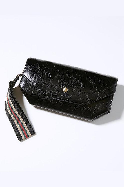 Amesthy leather clutch