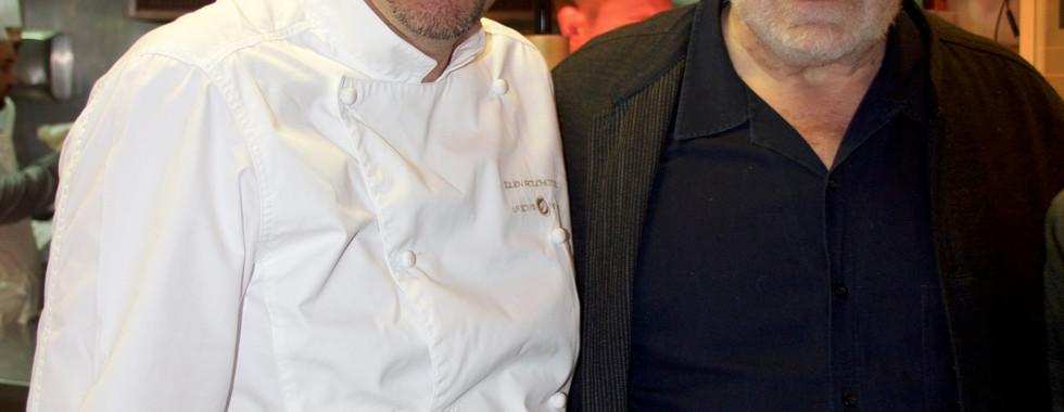 Le Chef Etoilé Julien Roucheteau dans ses cuisines avec Jacques Weber