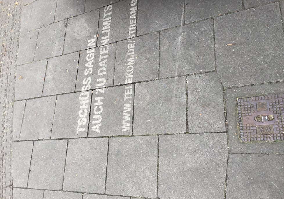 reversegraffiti__Telekom_02.JPG