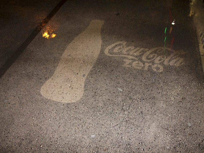 reversegraffiti__CocaCola_02.jpg