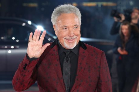 Tom Jones 2019 picture in red jacket
