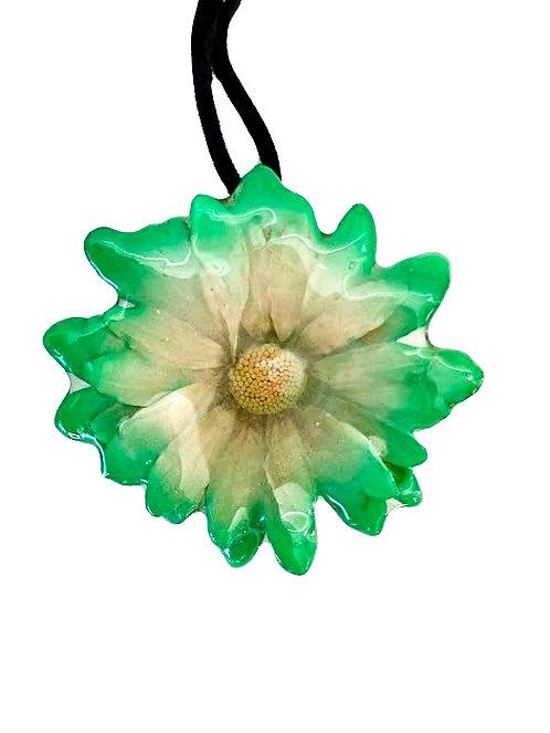 Green Daisy Necklace