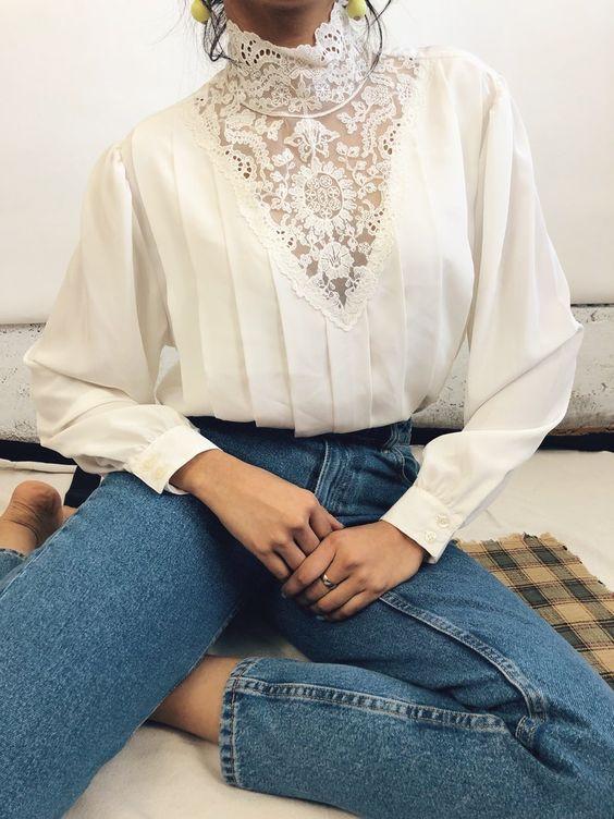 חולצת וינטג' עם ג'ינס