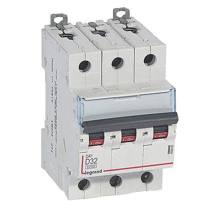 DX3 3P D32 6000A