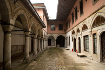 Historical fiction books - courtyard of an Ottoman harem
