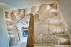 Fontenay Camargue Vieux Monde escalier.jpg