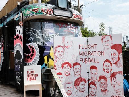 Zur UEFA EURO 2020: Ausstellung zu Fußball und Fluchtgeschichten