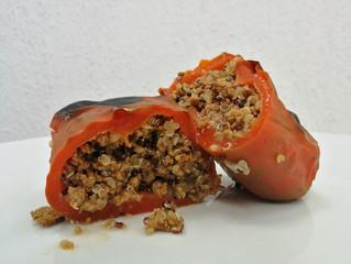 Chiles rellenos con carne molida y quinoa
