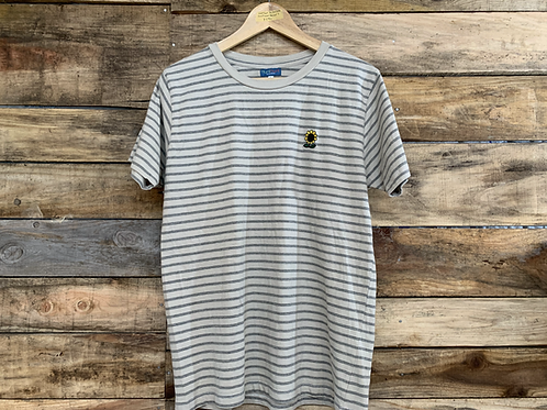 Hunthunt by goodbells / Sunflower Border T-Shirts