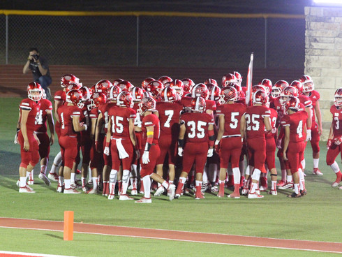 Rattlers Trounce Brownsville Veterans Chargers 36-13 to Boost Playoff Chances