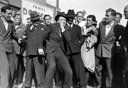 scene-set-crowd-brighton-rock-1947-80209