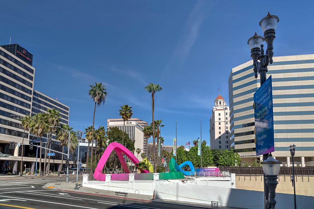 the LOOP // Pine Boulevard