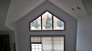 24' vaulted ceiling