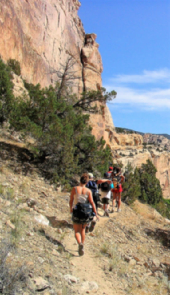 Dinosaur-monument-canyon-hiking