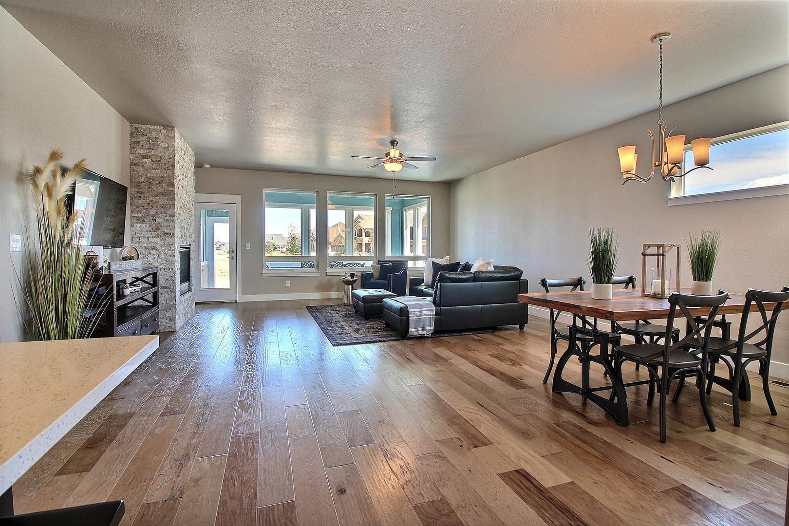 10-Living Room-Dining.jpg