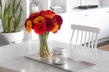 dining-room-table-flowers-vase[1].jpg