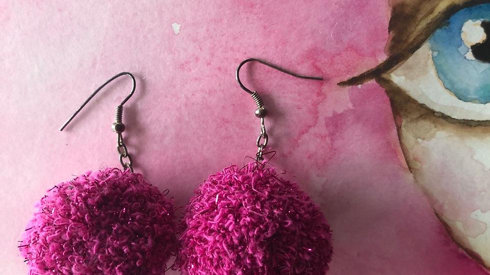 Oorringen Pompom roze glitter